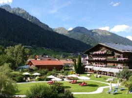 Familien- & Vitalhotel Auenhof, hotel in Fulpmes
