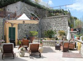 Gio House, apartment in Ischia