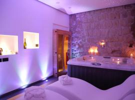 Cellamare Suite & Spa, hotel with jacuzzis in Naples