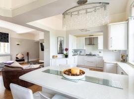 Stunning Penthouse - Stunning Views, hotel in Maidstone