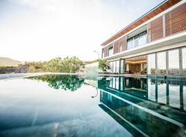 Acqua Villa Nha Trang Managed by Alternaty, self catering accommodation in Nha Trang