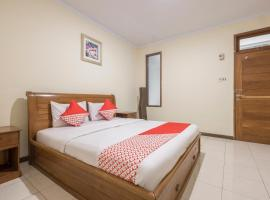 OYO 824 Makassar Guest House, hotel in Makassar