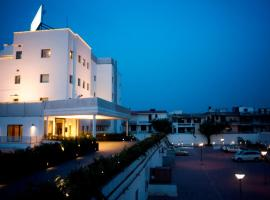 Vibe By The LaLiT Traveller, hotel en Faridabad