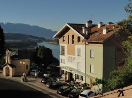 Viridis Hotel, hotel in Revò