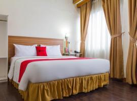 RedDoorz Plus @ Surapati 2, hotel in Bandung