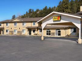 Super 8 by Wyndham Custer/Crazy Horse Area, hotel in Custer