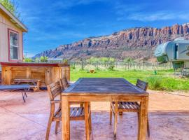 4 Bed 2 Bath Vacation home in Arches National Park, glamping site in Moab