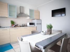 TRILOCALE LUNA, apartment in Riccione