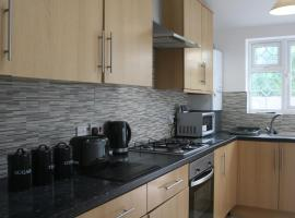 9 beds exclusively for Contractors, apartment in Slough
