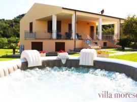 Villa Moresca T6, hotel with jacuzzis in Alghero