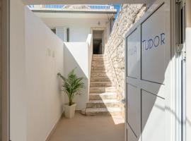 Apartments Villa Tudor, self catering accommodation in Hvar