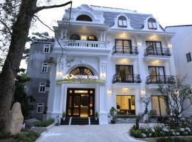 Moonstone Hotel Dalat, отель в Далате