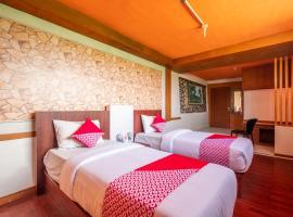 OYO 900 Villa Buleud, hotel in Garut