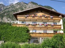 Pension Bergfried, Hotel in der Nähe von: Untersbergbahn, Grödig