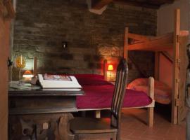 Rifugio Tosina- Antica Foresteria, hostel in Pelago
