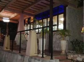 Casa de Pancho, hotel a Holguín