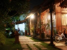 Omah awang Homestay, vila di Yogyakarta