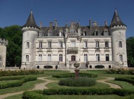 Château de Nieuil, The Originals Collection (Relais du Silence), hôtel à Nieuil
