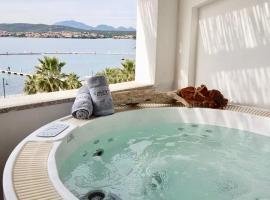 Buenavista Suite - Golfo Aranci, hotel with jacuzzis in Golfo Aranci