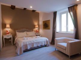 Relais Bijoux Napoli, guest house in Naples