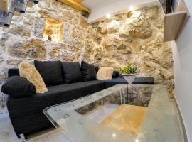 Authentic ap for 2, Babino Polje,Mljet, family hotel in Babino Polje