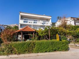 Apartmani Velnic, pet-friendly hotel in Baška