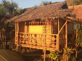 Seafront Cottage Ocam Ocam Beach, lodge in Busuanga