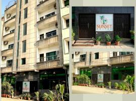 Sunset Suites, отель в Карачи