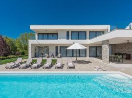 Villa Bianca, luxury hotel in Novigrad Istria