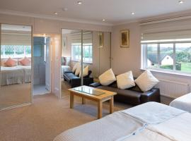 Elmcroft Guest House, guest house in Epping