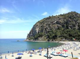 Villetta Baia San Montano, hotel near Botanical Garden La Mortella, Ischia