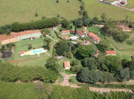 Pousada Celil, casa de hóspedes em Piranguinho