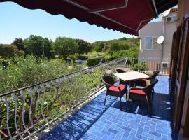 Apartment Kuftic - Relax Zone - Quiet Street, hotel near Monkodonja Hill Fort, Rovinj