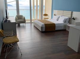 Mini Hotel & Maxi Room, hotel in Vlorë