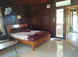 Omah Laut Bondo Jepara, holiday home in Margokerto