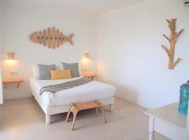 Apartamentos Estel, hotel vicino alla spiaggia a Playa Migjorn