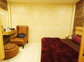 Studio Apartment #New Delhi# Rajouri Garden # 1Bhk, apartment in New Delhi