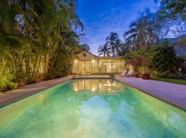 Tropical Oasis Home Home, villa in Fort Lauderdale