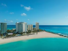 Krystal Grand Cancun, hotel in Cancún