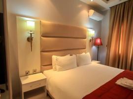 Glee Hotel, hotel in Lagos