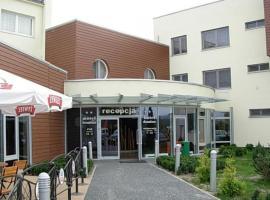 Hotel Domino – hotel w pobliżu miejsca PKP Opole Główne w mieście Niemodlin
