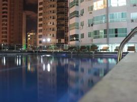 B.C. FLAT/STUDIO diferenciado, VIVA a EXPERIÊNCIA!, hotel with pools in Balneário Camboriú