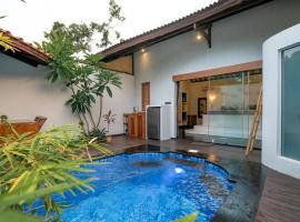 Stay Shark Villas Gili Air, villa in Gili Air