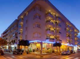 Aparthotel Duquesa Playa, hotel in Santa Eularia des Riu