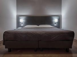 Twelve Hotel, hotell i Moncalieri
