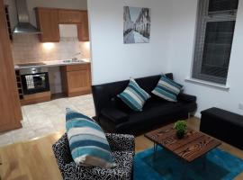 Luxury and Stylish 2 bedroom Apartment with en-suite, apartment in Luton