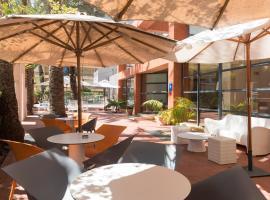 Hotel El Palmeral, отель в Бенидорме