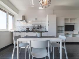 NOMENTANA WHITE APARTMENT, apartment in Rome