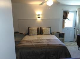 Cozy Studio One Bedroom In A Quiet Neighborhood, hotel near Port Charlotte Town Center, Port Charlotte