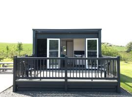 Parkknott Retreat, lodge in Askam in Furness